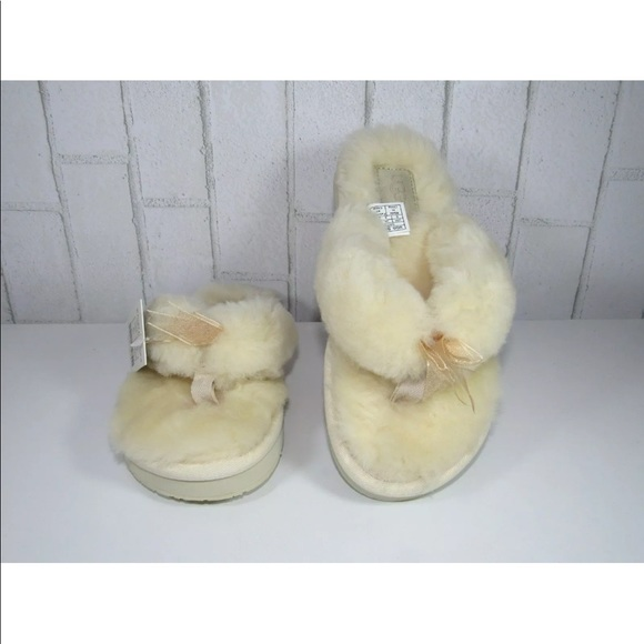 fab13660510 UGG SLIPPER FLUFF FLIP FLOP III NATURAL COLOR